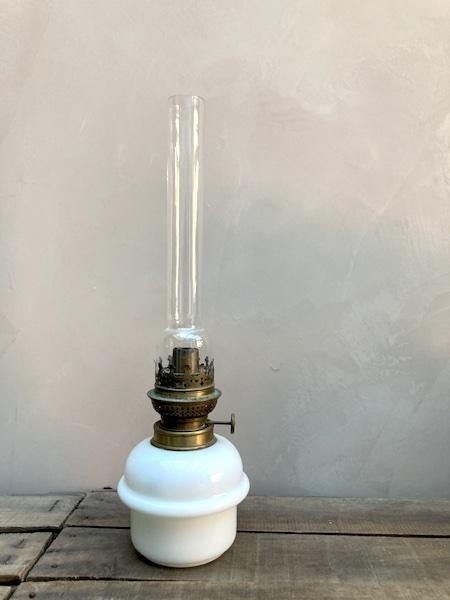 Lampe à pétrole Opaline