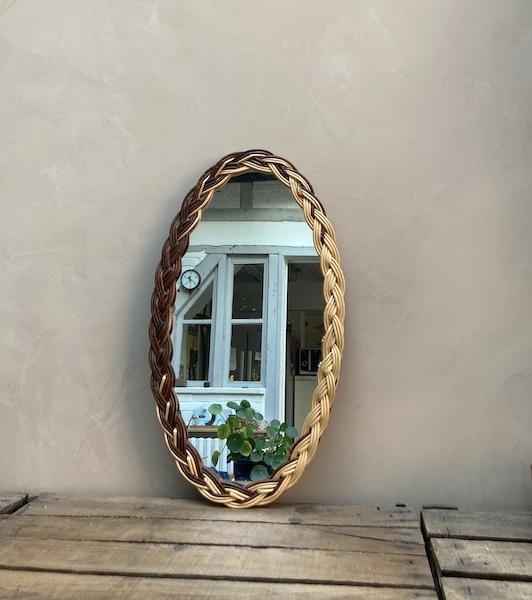 Miroir oval en osier tressé
