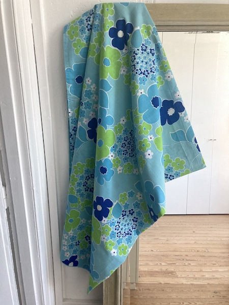 Drap plat vintage fleurs bleues