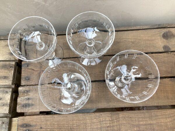 Lot de 4 coupes à Champagne