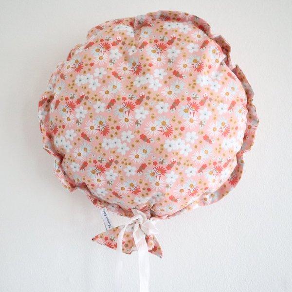 Ballon décoratif en tissu fleuri rose